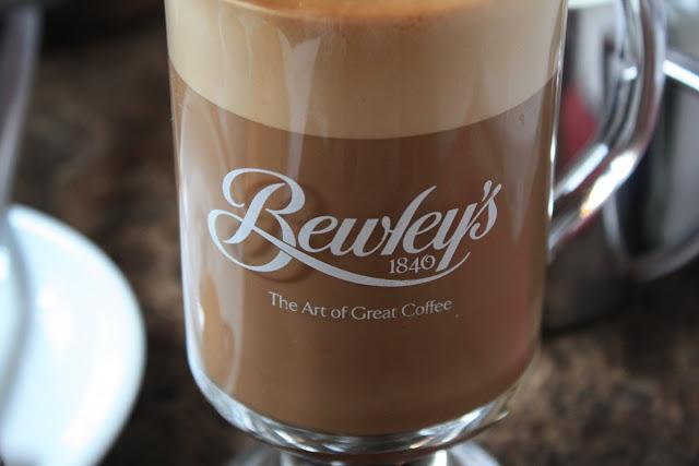Bewley's, The Art of Great Coffee - wie wahr! © Copyright Monika Fuchs, TravelWorldOnline