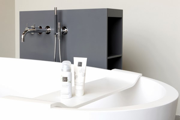 Сантехника и аксессуары NotOnlyWhite для ванной комнаты