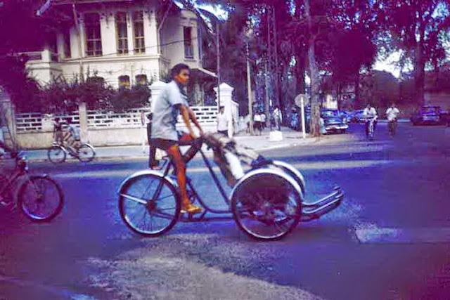 Le boulevard Norodom au début des années soixante