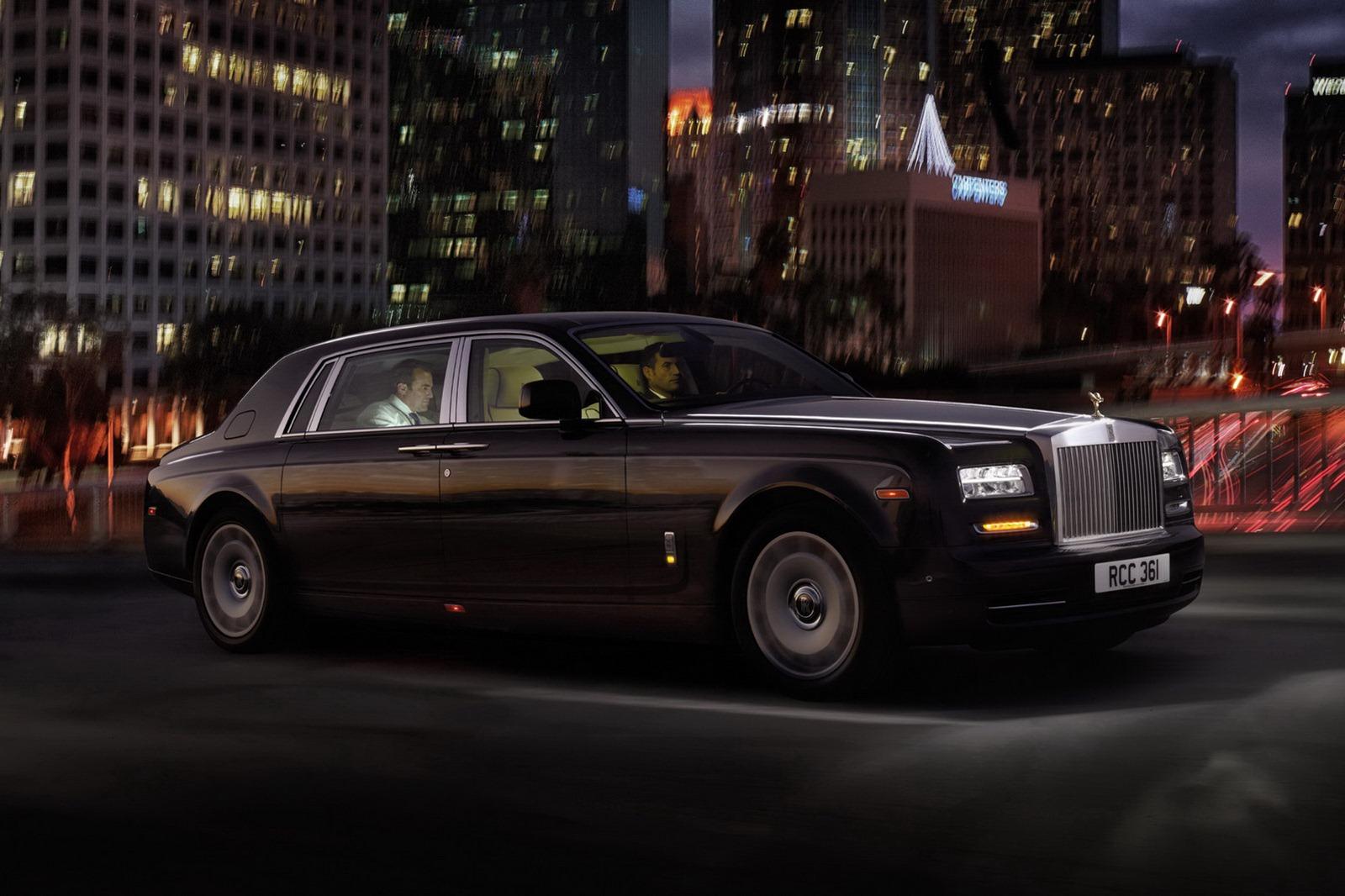 http://1.bp.blogspot.com/-tbtaPXPnE7M/T5gqcdXNkNI/AAAAAAAAV78/rM3LNpoHjqc/s1600/Rolls-Royce-Phantom-Extended-Wheelbase-1%5B2%5D.jpg