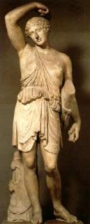 La Amazona Herida. Obra de Policleto. Escultor griego clasico. Escultor griego del periodo clasico. Grecia