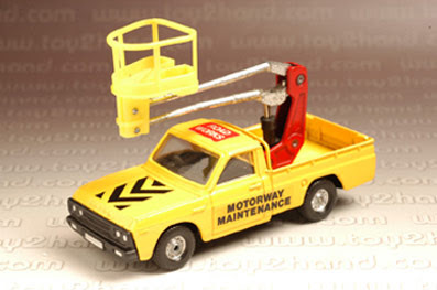 Diecast Toy Car  CORGI 1 36 MAZDA MOTORWAY MAINTENANCE TRUCK