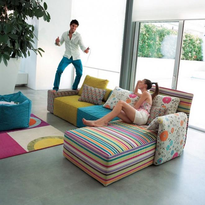 Inspirasi untuk Meja Minimalis Ruang Tamu Dan Ruang Keluarga 2015 yang bagus