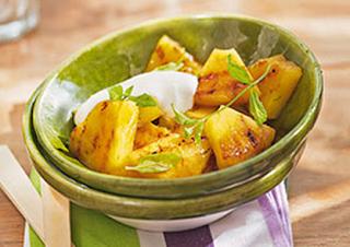 Abacaxi grelhado com creme de iogurte light