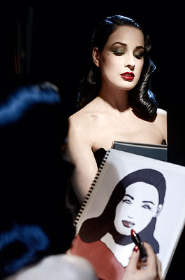 Beauty is Art: Dita Von Teese chez Art Deco