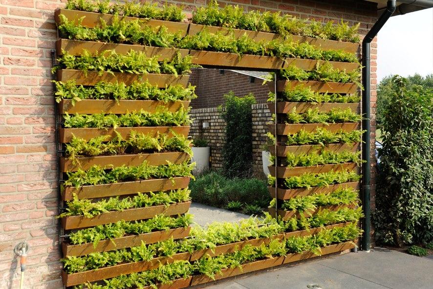 ANDERSON COTTAGE: Tuin ideeen - Groen dak en Zonnepanelen.
