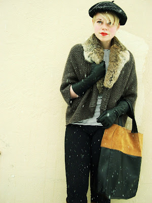 snow, winter, fashion, beret, blonde, short hair, fur, vintage
