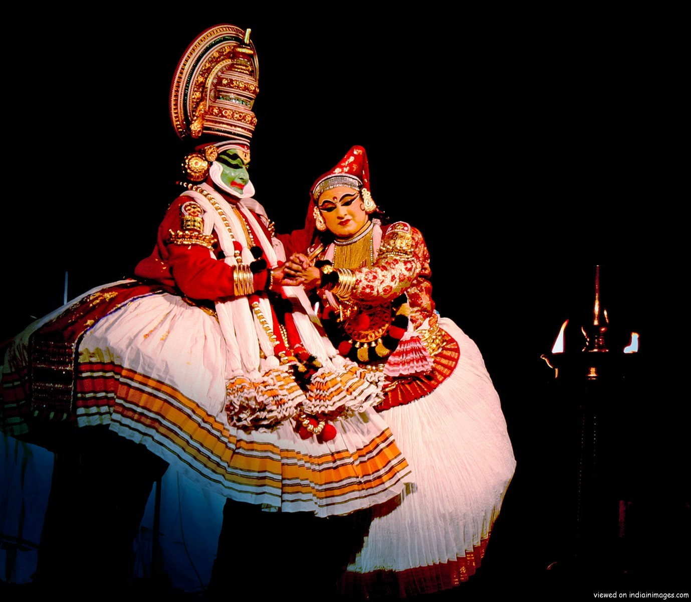 indian dance forms We all accept that indian classical dance forms are originated from diverse parts  of the country and it is firmly rooted in the sanskrit hindu text called natya.
