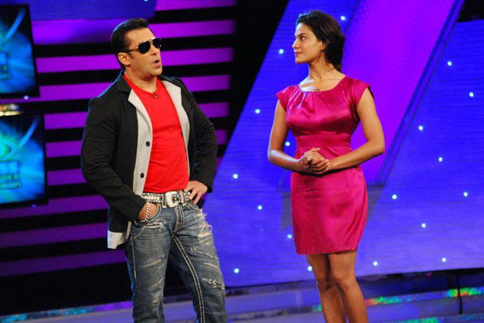 Veena Malik Towel Slip