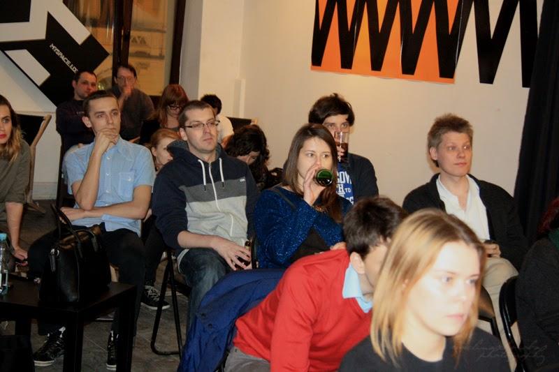 Kobiety, mężczyźni na spotkaniu GGC, widownia, 6 Dzielnica, spotkanie kobiet, branża IT, fotografia Ewelina Choroba