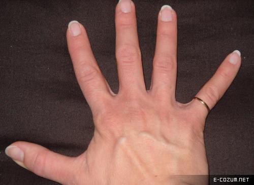 Parmaklar hayat yaklaşık 25 milyon kez kıvrılıp açılıyor