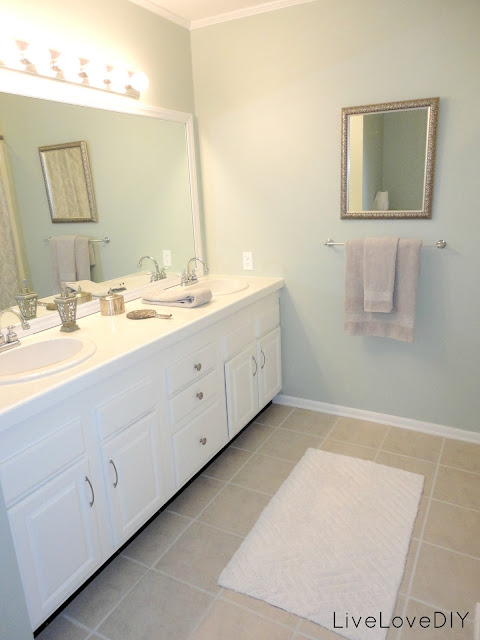 Livelovediy bathroom ideas how to right a wrong for Normal bathroom designs