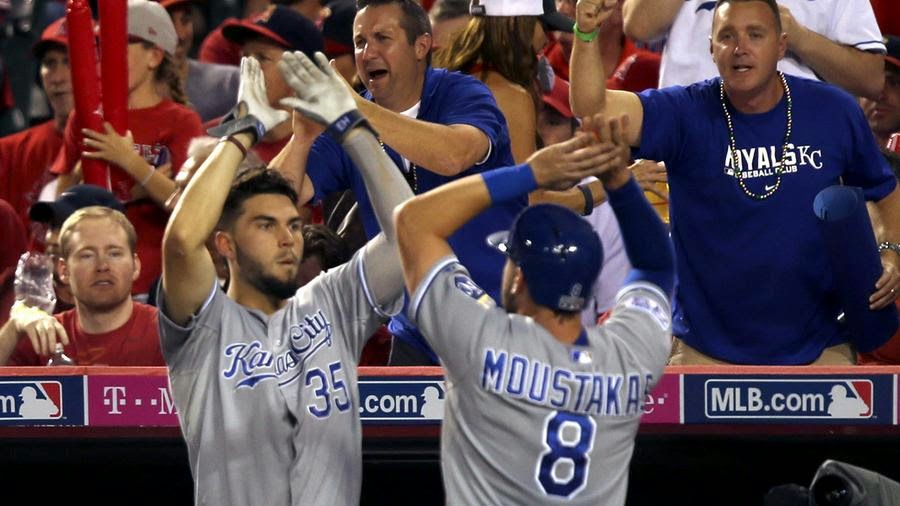 hosmer chat Mlbtr live chat with jason martinez: july 11, 2018 powered by  as of now, i'd say hosmer, myers, margot, urias, franchy (probably), tatis, hand (if.