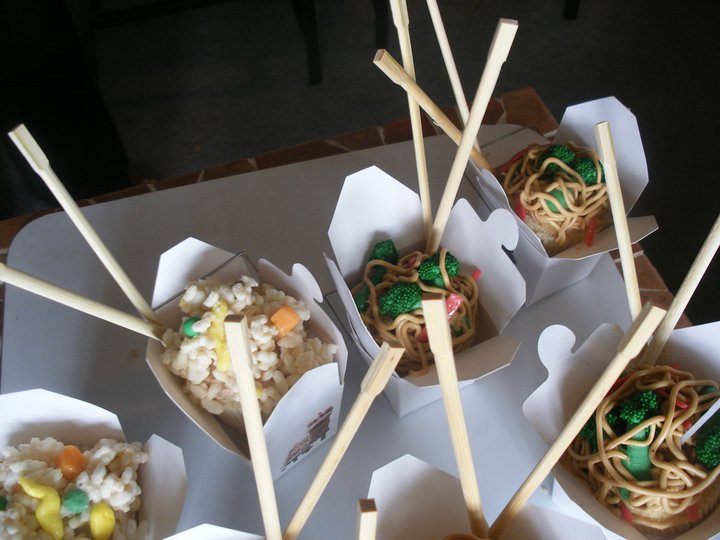 Caking Therapy: Chinese Food Takeout Cupcakes