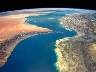 la proxima guerra eeuu envia barcos militares aviones a estrecho ormuz iran