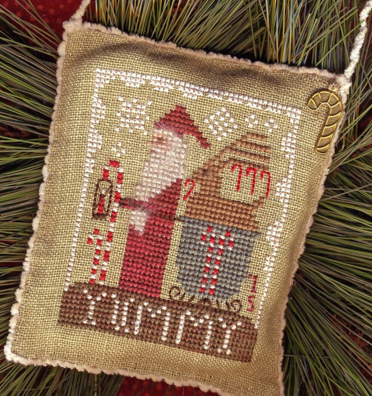 "2015 Santa Ornament ~ ""Delivering Yummies"""
