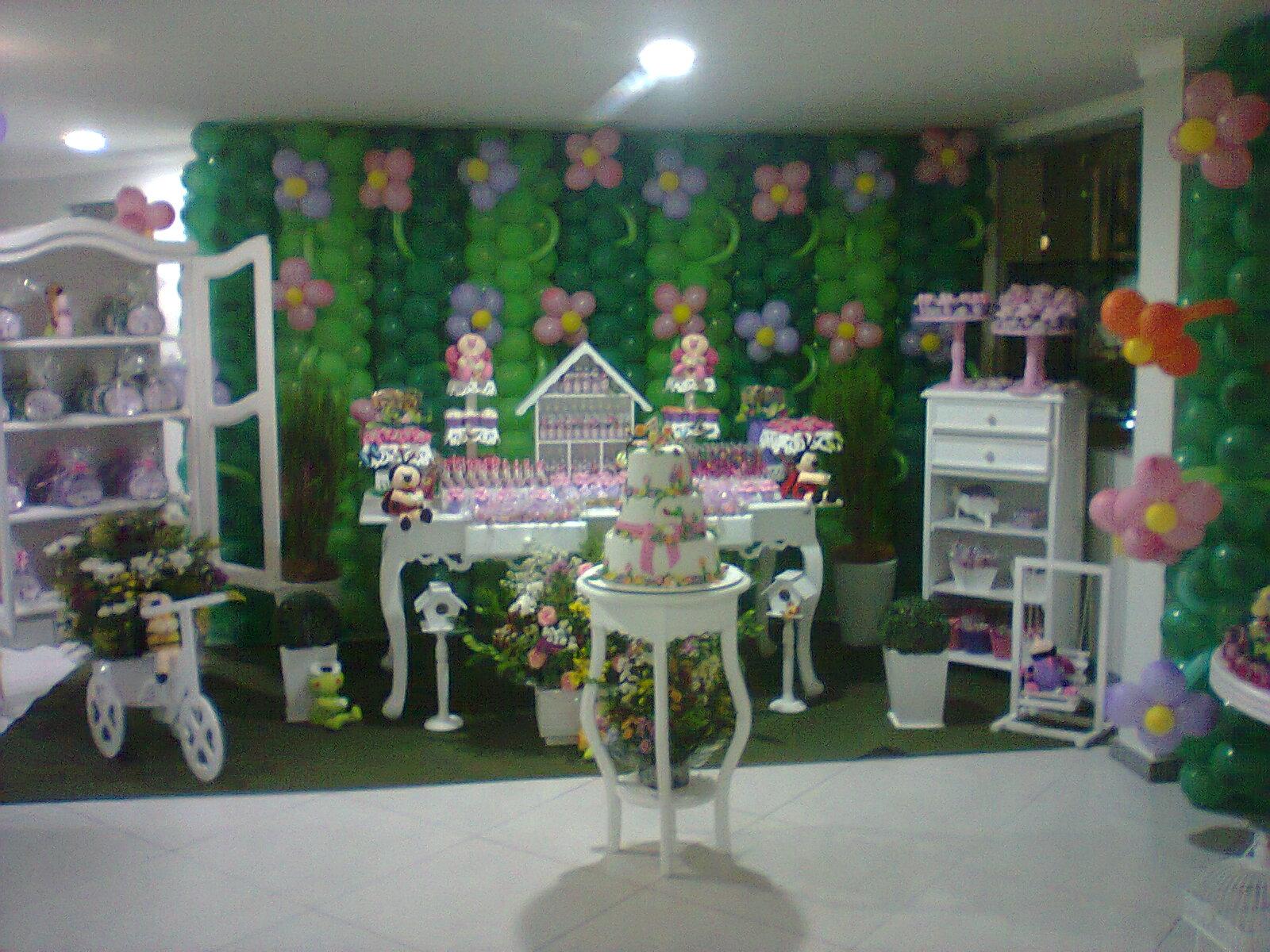 mesa de guloseimas jardim encantado provencalElaine Almeida Festas
