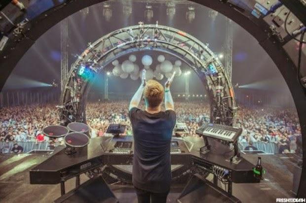 10 DJ Dengan Live Stage Keren dan Unik