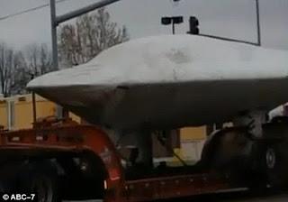 Heboh UFO yang diangkut Truk di kansas
