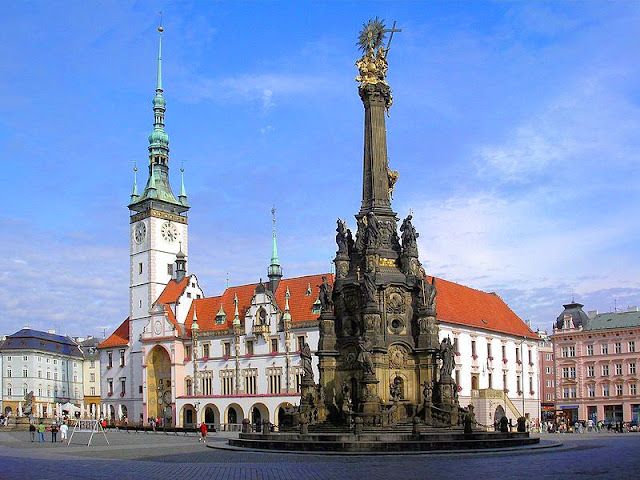 Olomouc's Town Hall  Square with the Plague Monument in the foreground. Photo: WikiMedia.org.
