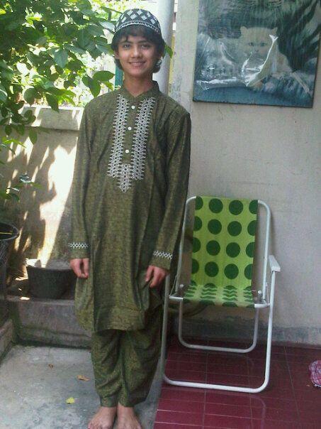 Muhammad Ali Syarief ( Aliando ): Foto Aliando   453 x 604 jpeg 55kB