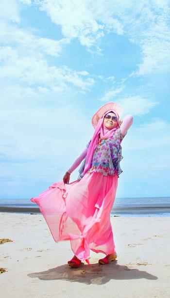 Pintar Pakai Jilbab Hijab Fashion Style Dengan Motif Bunga