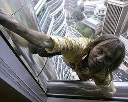คนปีน ตึกแฝด เปโตรนาส ทาวเวอร์ มาเลเซีย French Spiderman Scaling Petronas Twin Towers