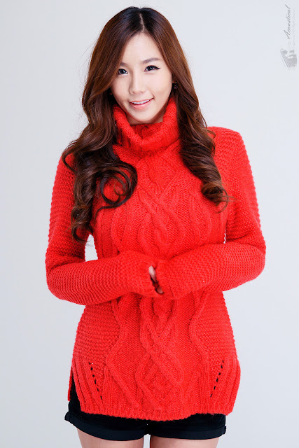 Lee Ji Min in Sweet Red