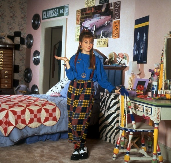 7 best bedrooms from tv movies neon rattail for 90s room design