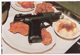 http://1.bp.blogspot.com/-tf4OhIsHfkw/UNMaYMS_phI/AAAAAAAABGo/Mdre87v69o4/s1600/HENNARD,+GEORGE+gun+on+plate.jpg