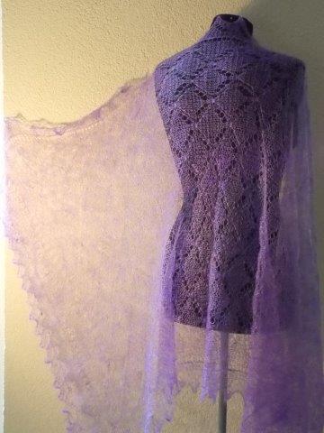 TE KOOP: lila shawl