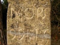Inscripció gravada al pilar del Pedró del Pujol