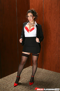Sexy Adult Pictures - rs-2-767731.jpg