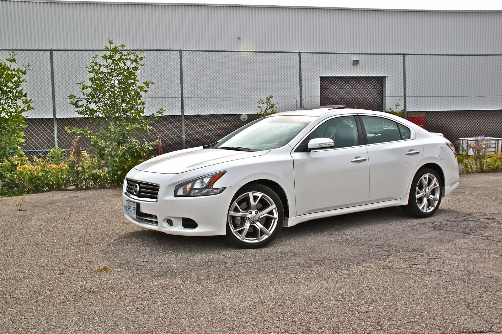 Exterior Photos moreover Nissan Announces Pricing For 2011 Maxima moreover Performance And Fuel Economy 2011 Chevy Impala moreover 2009 Nissan Maxima Pictures furthermore Nissan Murano 2006 Aux Input 2. on 2012 nissan maxima silver