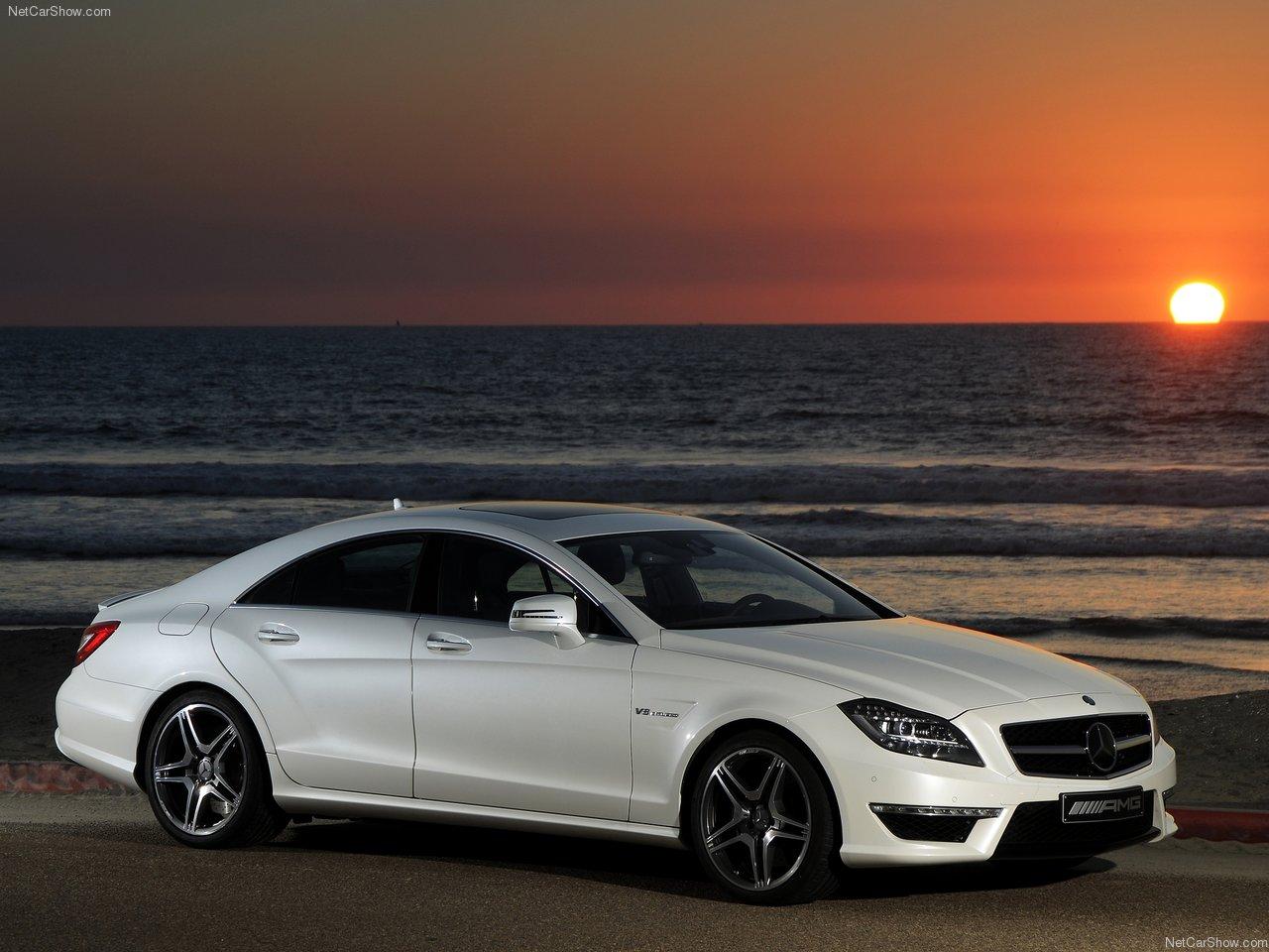 http://1.bp.blogspot.com/-tfQYx91Xs_0/TWiaCmXANzI/AAAAAAACLJE/OkS0-ypYvd0/s1600/Mercedes-Benz-CLS63_AMG_US_Version_2012_1280x960_wallpaper_03.jpg