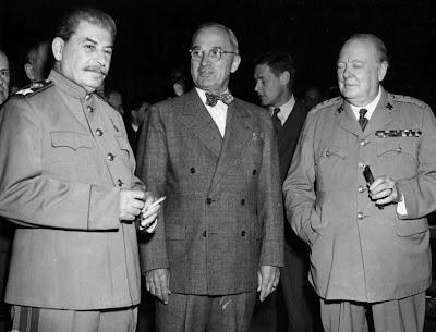 El oportunismo del capital imperialista  en unas  frases  de  unos de sus  líderes  destacados:  Winston  Churchill Potsda10