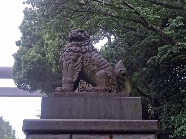 狛犬,靖国神社〈著作権フリー無料画像〉Free Stock Photos