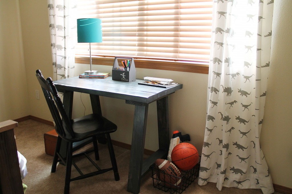 Ana White DIY Desk {Dinosaur Boys Bedroom}