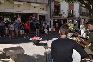 Actuacion de musicos en el Rincón de la Música