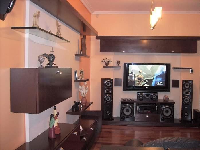 Creaciones n.m. & j.m.: diseños de muebles de tv