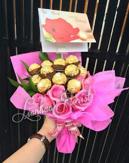 florist jakarta, toko bunga jakarta, bunga buket lily,bouquet bunga lily, bouquet bunga mawar, hand bouquet ferrero rocher
