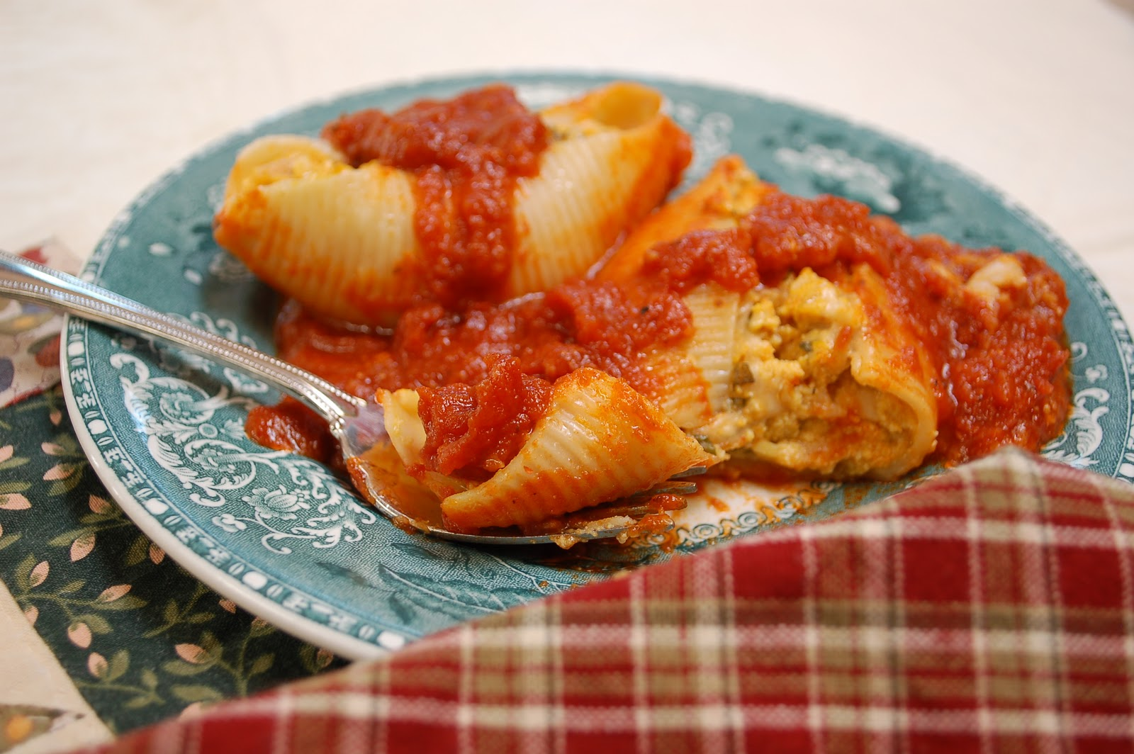 The Spice Garden: Pumpkin and Herbed Ricotta Stuffed Shells