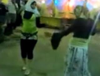 رقص فتيات مصر في الشارع