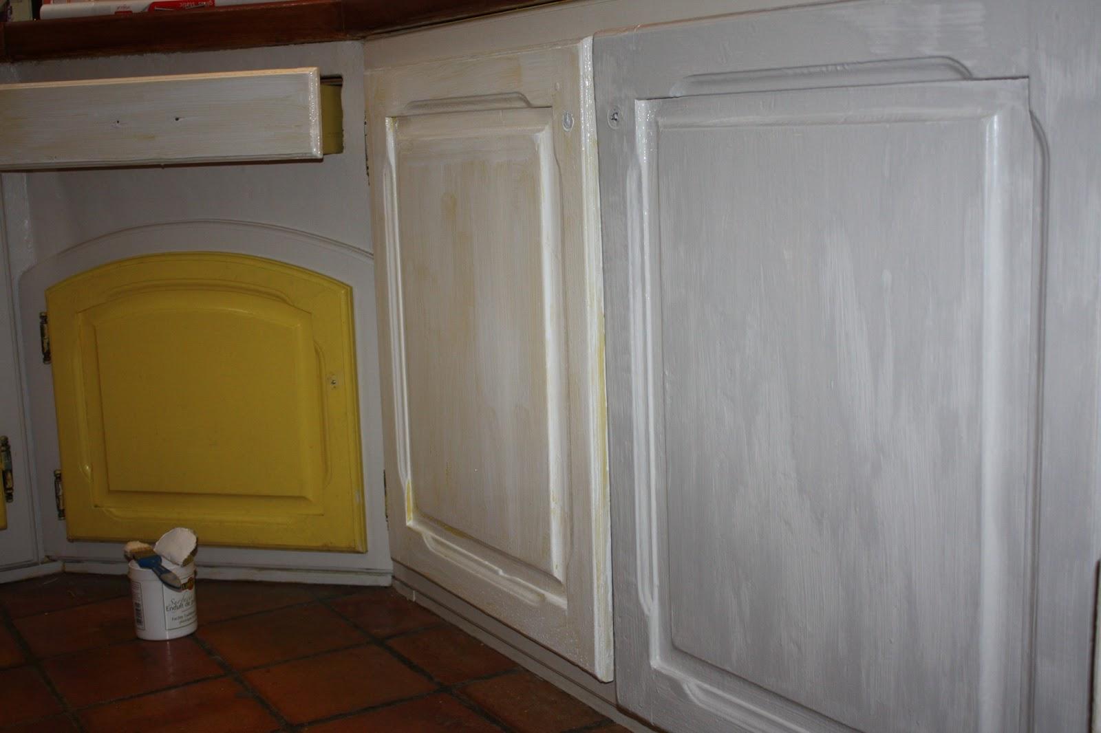 Changement de d cors la cuisine peinture mur et patine for Peinture liberon patine