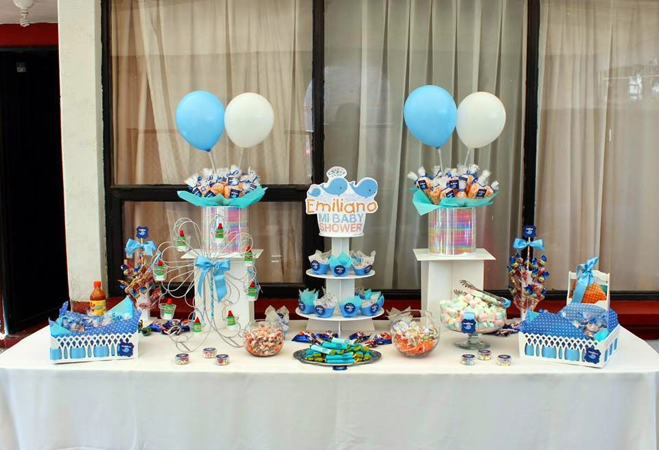 mesa de dulces babyshower ballenita