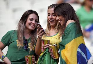 Foto cewek cantik fans Brazil