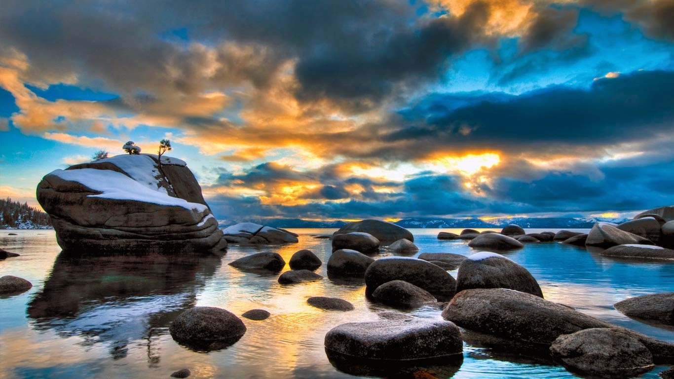 Bonsai Rock, Lake Tahoe, Nevada (© Josh Miller/Corbis) 300