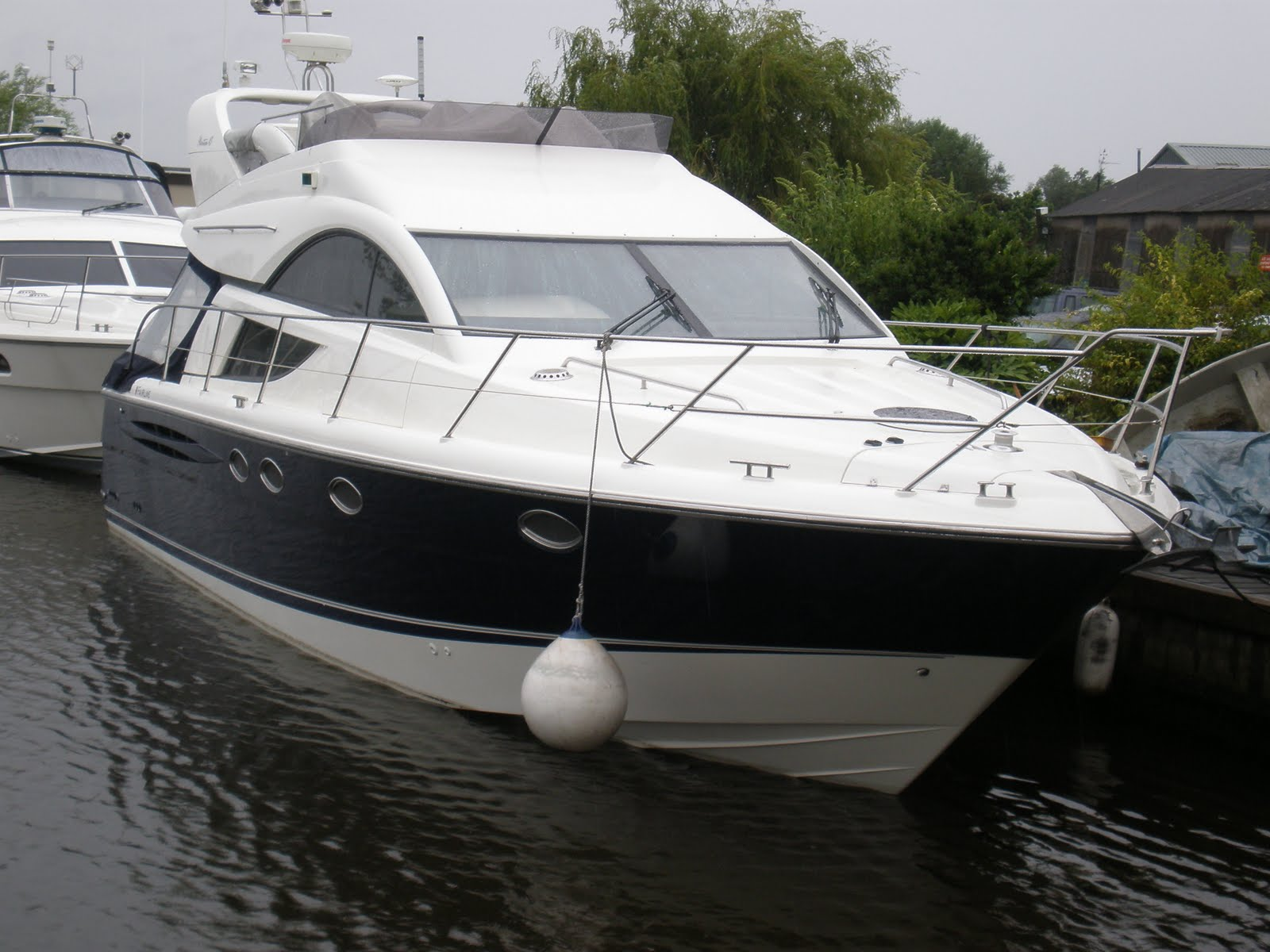 This Fairline Phantom at Norfolk Yacht Agency is quite simply breath taking ...