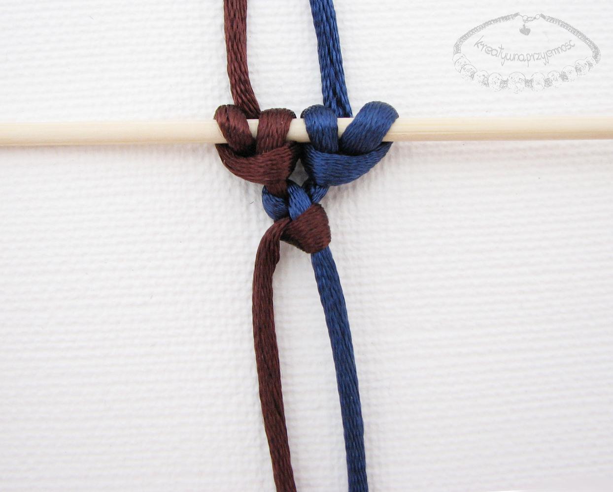 Słupek z węzłów łańcuszkowych - 5