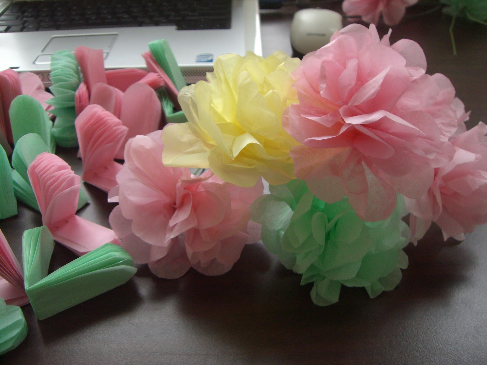history of tissue paper flowers Tissue paper flowers are simple, quick, and inexpensive they are a thoughtful hand made gift that is easy to customize, looks beautiful, and can last a long.